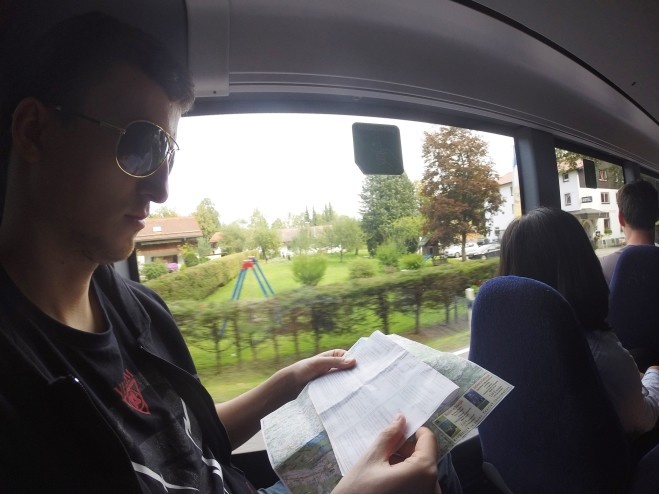 Ônibus com destino à aldeia de Schwangau