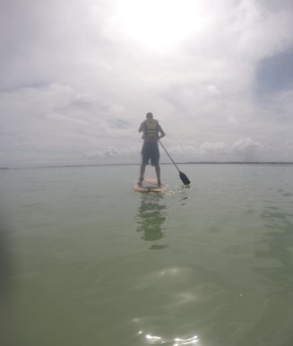 Lucas no Stand Up Paddle